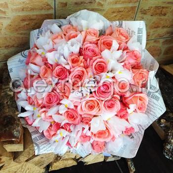 Букет с розой Эквадор и ирисами