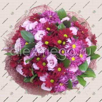 Подарочный букет в малиново-розовых тонах