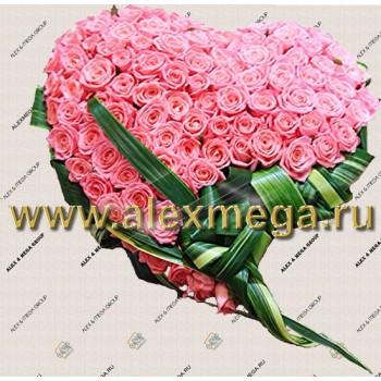 """Композиция """"Сердце"""". Диаметр 60 см. 140 роз"""