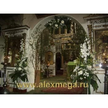 Оформление цветами церемонии венчания в церкви (Куркино)