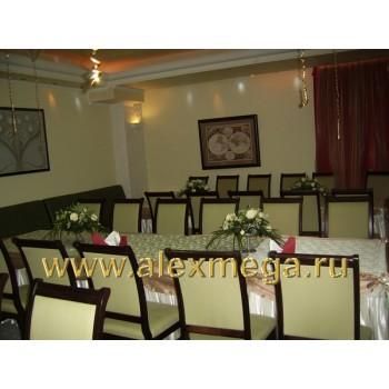 Оформление цветами свадьбы, ресторан PATHE. Композиции на столы гостей