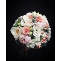 Очень нежный и стильный букет невесты из фрезии,пионовидной розы и брунии от @alexmegagroup ❤️ Букет на фото -6500₽ ——————— AlexMegaGroup AMG#alexmegagroup#alexmega#amg#цветочки#цветы#flowers#цветыназаказ#доставкабукетов#цветывкоробке#101роза#букет#свадьба#цветынасвадьбу#свадебноеоформление#букетневесты#флористика#подарок#магазинцветочки#сходненская#фабрициуса40#тушинсfкая#циолковского7#митино#пятницкоешоссе42#магазинцветочки#шляпныекоробки#ящички#ящикисцветами#цветочки