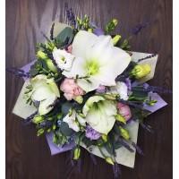 Лавандовая композиция, покоряющая изящным, тонким ароматом!  Всегда с любовью @alexmegagroup  Композиция 1900руб. ————————————— AlexMegaGroup AMG#alexmegagroup#alexmega#amg#цветочки#цветы#flowers#цветыназаказ#доставкабукетов#цветывкоробке#101роза#букет#свадьба#цветынасвадьбу#свадебноеоформление#букетневесты#флористика#подарок#магазинцветочки#сходненская#фабрициуса40#тушинская#циолковского7#митино#пятницкоешоссе42#магазинцветочки#шляпныекоробки#ящички#ящикисцветами#цветочки#флорист#флористика#букет