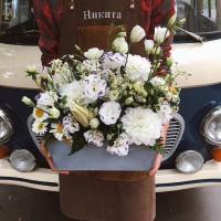 Столько красивых цветов собралось и все в одном ящичке!  _____________ Цена данной композиции 4750₽ . ——————— AlexMegaGroup AMG#alexmegagroup#alexmega#amg#цветочки#цветы#flowers#цветыназаказ#доставкабукетов#цветывкоробке#101роза#букет#свадьба#цветынасвадьбу#свадебноеоформление#букетневесты#флористика#подарок#магазинцветочки#сходненская#фабрициуса40#тушинсfкая#циолковского7#митино#пятницкоешоссе42#деньсемьи#деньсемьилюбвииверности