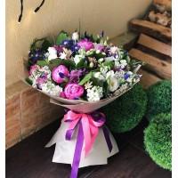 Букеты от @alexmegagroup способны порадовать ваших родных и близких в любую погоду🥰 . Цена букета 10000р . . ——————— AlexMegaGroup AMG#alexmegagroup#alexmega#amg#цветочки#цветы#flowers#цветыназаказ#доставкабукетов#цветывкоробке#101роза#букет#свадьба#цветынасвадьбу#свадебноеоформление#букетневесты#флористика#подарок#магазинцветочки#сходненская#фабрициуса40#тушинсfкая#циолковского7#митино#пятницкоешоссе42#магазинцветочки#шляпныекоробки#ящички#ящикисцветами#цветочкиь#живопись#искусство