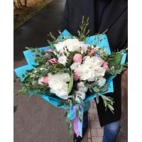 Очень интересное сочетание воздушная гортензия и мягчайший хлопок🌼 Наши флористы всегда помогут определиться с выбором 😉 . . ——————— AlexMegaGroup AMG#alexmegagroup#alexmega#amg#цветочки#цветы#flowers#цветыназаказ#доставкабукетов#цветывкоробке#101роза#букет#свадьба#цветынасвадьбу#свадебноеоформление#букетневесты#флористика#подарок#магазинцветочки#сходненская#фабрициуса40#тушинская#циолковского7#митино#пятницкоешоссе42#магазинцветочки#шляпныекоробки#ящички#ящикисцветами#цветочки#флорист#флористика#букетизроз