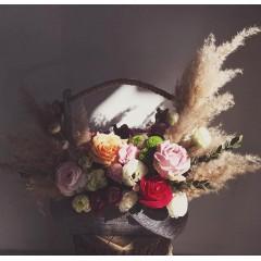 Доброе утро!!! Ждём вас ежедневно с 9:00 до 21:00 в @alexmegagroup ❤️ ——————— AlexMegaGroup AMG#alexmegagroup#alexmega#amg#цветочки#цветы#flowers#цветыназаказ#доставкабукетов#цветывкоробке#101роза#букет#свадьба#цветынасвадьбу#свадебноеоформление#букетневесты#флористика#подарок#магазинцветочки#сходненская#фабрициуса40#тушинсfкая#циолковского7#митино#пятницкоешоссе42#магазинцветочки#шляпныекоробки#ящички#ящикисцветами#цветочкиь#живопись#искусство