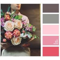 Современная Флористика - это не только про великолепные букеты! Это целый свод правил и законов: колористика, правильная расстановка цветов, а также верный уход за срезанным цветком, что бы букет, как можно дольше радовал Вас!  Наши флористы прорабатывают каждый этап,  и именно поэтому, приобретая цветы в наших магазинах, вы можете быть уверенны в качестве и профессионализме нашей работы и соответственно букетов! (Всегда с любовью, @alexmegagroup )————————————————— AlexMegaGroup AMG#alexmegagroup#alexmega#amg#цветочки#цветы#flowers#цветыназаказ#доставкабукетов#цветывкоробке#101роза#букет#свадьба#цветынасвадьбу#свадебноеоформление#букетневесты#флористика#подарок#магазинцветочки#сходненская#фабрициуса40#тушинская#циолковского7#митино#пятницкоешоссе42#магазинцветочки#шляпныекоробки#ящички##цветочки#флорист#флористика#букет#ящикисцветами