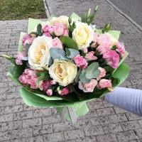 Разве для того чтобы подарить цветы нужен какой-то повод? Ежедневно мы дарим сотни улыбок по поводу и без!💐 ——————— AlexMegaGroup AMG#alexmegagroup#alexmega#amg#цветочки#цветы#flowers#цветыназаказ#доставкабукетов#цветывкоробке#101роза#букет#свадьба#цветынасвадьбу#свадебноеоформление#букетневесты#флористика#подарок#магазинцветочки#сходненская#фабрициуса40#тушинская#циолковского7#митино#пятницкоешоссе42#магазинцветочки#шляпныекоробки#ящички#ящикисцветами#цветочки#флорист#флористика#букетизроз