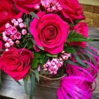Иногда достаточно даже небольшой цветочной коробочки,чтобы выразить свои чувства 💕/3500₽/——————— AlexMegaGroup AMG#alexmegagroup#alexmega#amg#цветочки#цветы#flowers#цветыназаказ#доставкабукетов#цветывкоробке#101роза#букет#свадьба#цветынасвадьбу#свадебноеоформление#букетневесты#флористика#подарок#магазинцветочки#сходненская#фабрициуса40#тушинсfкая#циолковского7#митино#пятницкоешоссе42#магазинцветочки#шляпныекоробки#ящички#ящикисцветами#цветочкиь#живопись#искусство