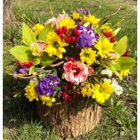 Именно в эту прекрасную пору прелестным дамам,как никогда,хочется цветочков,ведь подаренные яркие букеты заставляют женщин сиять,радоваться жизни,чувствовать себя очаровательными.  Радуйте своих любимых в месте с @alexmegagroup ❤️ ——————— AlexMegaGroup AMG#alexmegagroup#alexmega#amg#цветочки#цветы#flowers#цветыназаказ#доставкабукетов#цветывкоробке#101роза#букет#свадьба#цветынасвадьбу#свадебноеоформление#букетневесты#флористика#подарок#магазинцветочки#сходненская#фабрициуса40#тушинсfкая#циолковского7#митино#пятницкоешоссе42#магазинцветочки#шляпныекоробки#ящички#ящикисцветами#цветочки