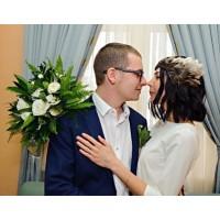 Любовь повсюду 🌿 Чудесные Алена @bujka89 и Леонид ❤️ Спасибо что выбираете нас❤️ Букет невесты и бутоньерка @alexmegagroup ——————— AlexMegaGroup AMG#alexmegagroup#alexmega#amg#цветочки#цветы#flowers#цветыназаказ#доставкабукетов#цветывкоробке#101роза#букет#свадьба#цветынасвадьбу#свадебноеоформление#букетневесты#флористика#подарок#магазинцветочки#сходненская#фабрициуса40#тушинсfкая#циолковского7#митино#пятницкоешоссе42#магазинцветочки#шляпныекоробки#ящички#ящикисцветами#цветочки